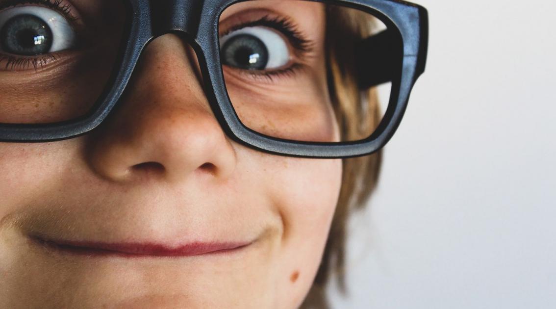 #Nancy #figuration 2 garçons 9/12 ans portant des lunettes de vue pour tournage clip