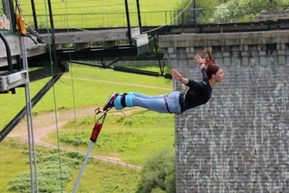 #casting femme 40/50 ans capable d'effectuer un saut à l'élastique