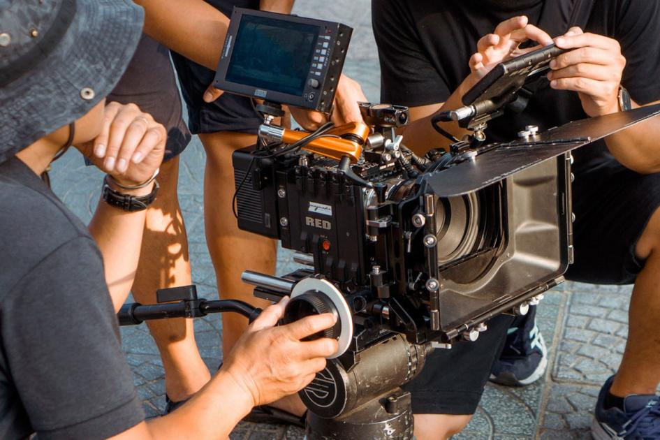 #figuration 6 femmes et 3 hommes 20/30 ans pour tournage clip musical