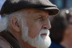 #casting homme sénior pour tournage vidéo sur site dédié aux Grands-Parents
