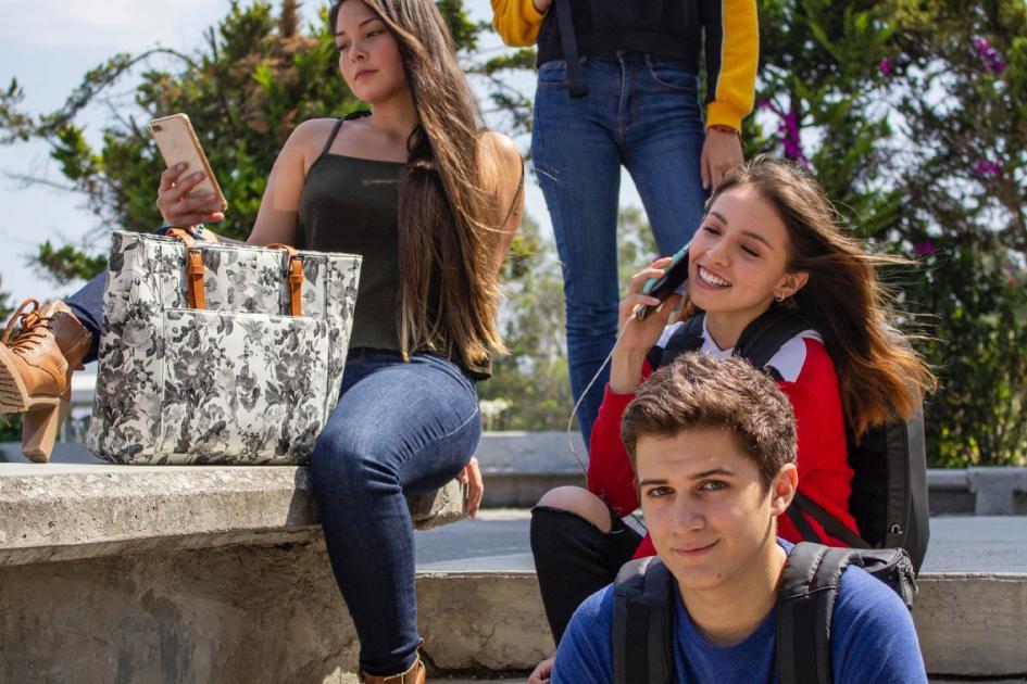 #casting 5 filles et garçons 17 ans pour le tournage d'un court-métrage