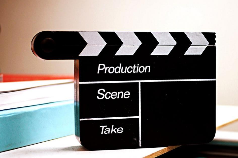 #figuration 1 femme 60 ans et 2 hommes 40/50 ans pour tournage court-métrage