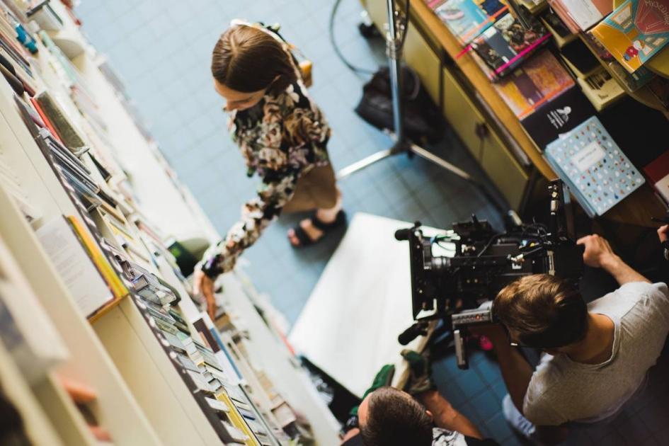 #casting femme 20/30 ans pour tournage clip musical