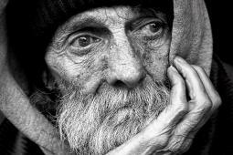 #casting femmes et hommes 40/80 ans avec visage marqué par la vie pour tournage publicité