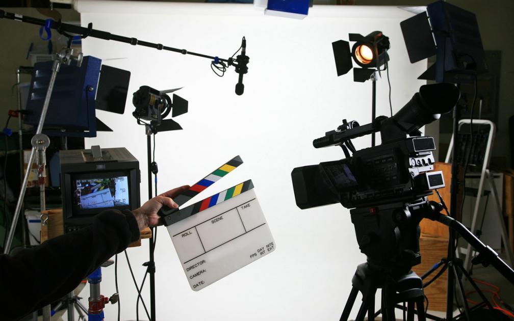 #silhouettes hommes/femmes pour tournage d'un film institutionnel #Paris