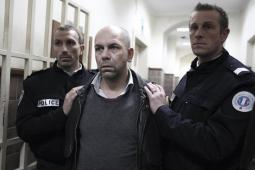 #figuration hommes avec cheveux très courts pour tournage téléfilm TF1 avec Philippe Torreton
