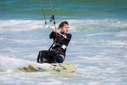 #Aude #casting femmes, hommes et enfants pratiquant le kitesurf pour tournage publicité