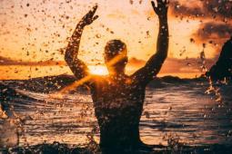 #Var #casting femmes et hommes 18/65 ans sachant nager pour tournage long-métrage