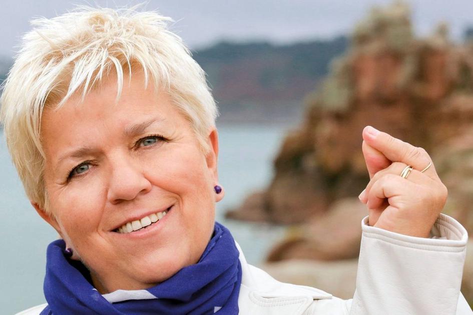 #casting femmes et hommes 25/70 ans pour tournage série TF1 avec Mimie Mathy