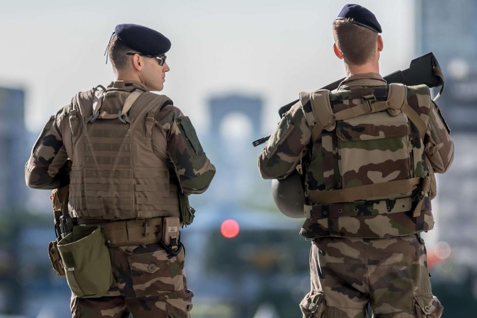 #figuration soldat mesurant +1,80m pour film avec Jean-Pierre Lorit et Marie Dompnier