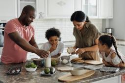 #casting parents ayant 2 enfants entre 7 et 9 ans pour tournage publicité