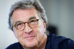 #casting homme mesurant 1,70/75m pour doublure lumière François Cluzet