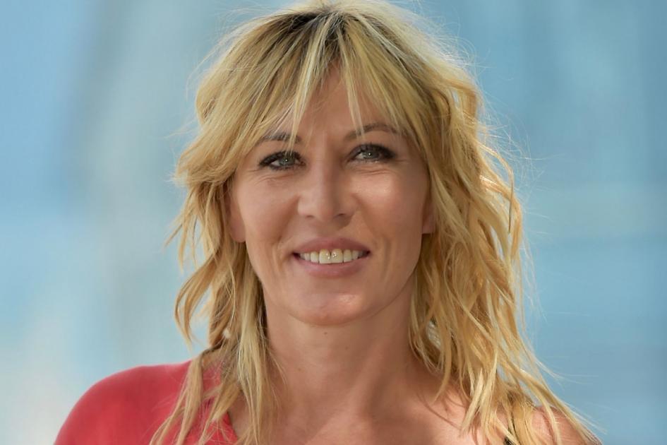 #Lille #casting femme 25/35 ans pratiquant le pole dance pour un film avec Mathilde Seigner
