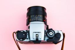 #casting 3 femmes ou hommes 22 ans environ et 40 ans pour un shooting photo