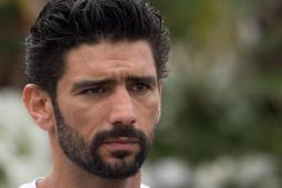 #casting homme 25/40 ans ressemblant à cet acteur pour la série Netflix