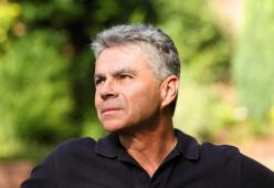 #casting homme 45/55 ans, cheveux poivre et sel, pour le tournage d'un film publicitaire