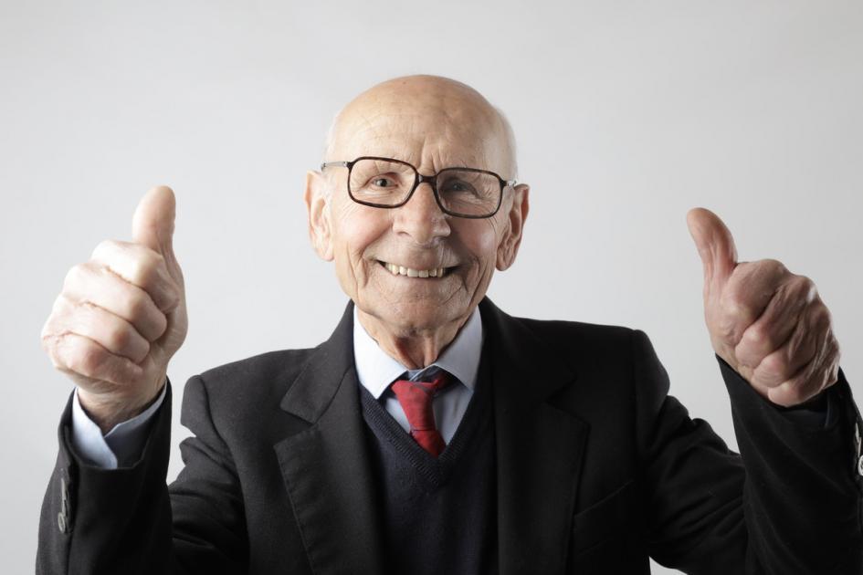 #casting 2 femmes et 3 hommes 70/80 ans pour une campagne publicitaire