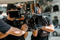 #figuration femmes et hommes de 20/50 ans pour une série France TV