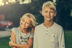 #Suisse #casting 2 frères ou soeurs de 6/15 ans avec 4/6 ans d'écart pour une publicité