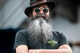 #casting homme de 30/55 ans, barbu, les cheveux longs, pour une série télévisée