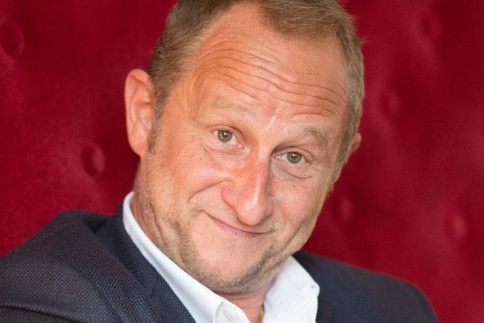#Martigues #casting homme blond, la cinquantaine, pour devenir la doublure de Benoît Poelvoorde