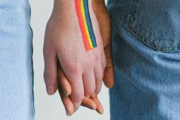 #casting 2 vrais couples gay/lesbien de 20/25 ans pour le tournage d'un film américain
