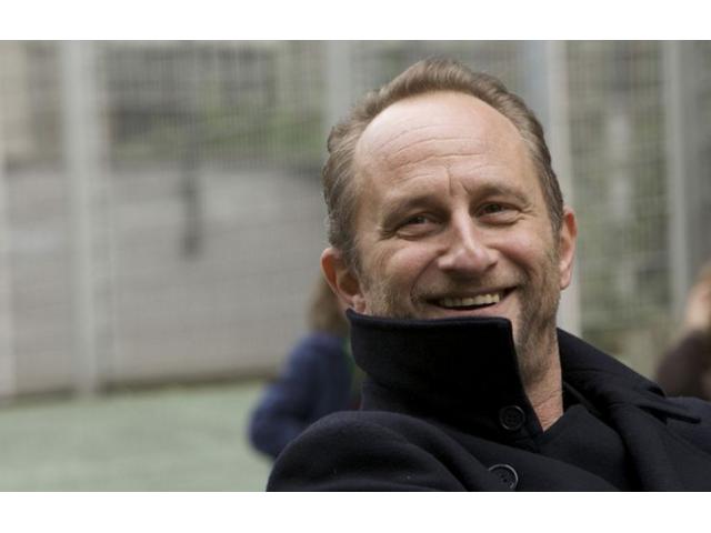 #figurants hommes #danseurs, #circassiens, #acrobates pour film avec Benoît Poelvoorde