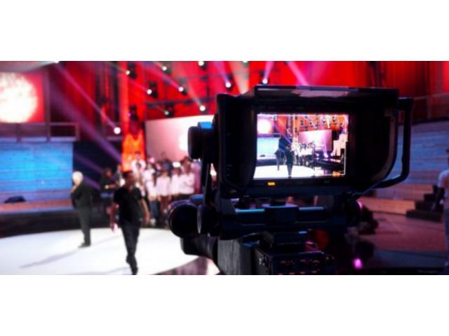 Production est à la recherche les trois profils pour les besoins d'un film Institutionnel #Paris