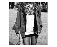 Recherche jeune fille sachant faire du #Skateboard pour une #publicité #Nike #Paris