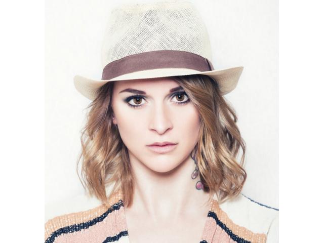 #modèles femme expressives pour test studio photo #Martigues #Bouches-du-Rhône