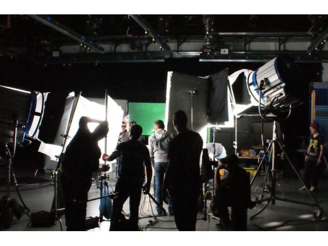 Recherche H/F 10-70ans pour film formation cinéma-audiovisuelle à #Angers