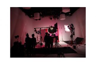 Une jeune fille 18/25 ans pour tournage d'un clip musical sur #Lyon