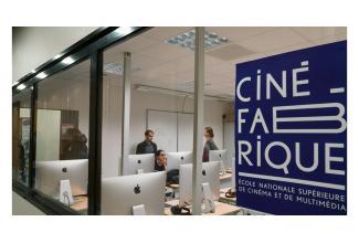 Nombreux #figurants pour le tournage d'un film #Cinéfabrique #Paris