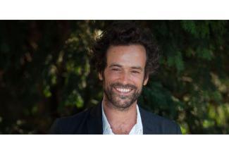 Deux cents #figurants hommes et femmes pour long-métrage avec Romain Duris #Paris