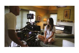 Deux femmes entre 18 et 25 ans pour spot vidéo #publicitaire