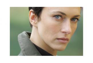 Une jeune fille 16 ans #ado pour la série TV « SAM» avec Natacha Lindinger
