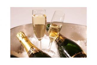 #Figurants entre 35 et 50 ans hommes et femmes pour #publicité #champagne #Reims