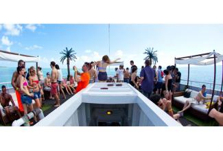 #figurants hommes et femmes pour tournage d'une #publicité #yachting #Saint-Tropez #Var