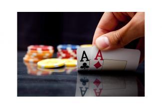 recherche des hommes entre 25 et 35 ans pour tournage #publicité #Poker