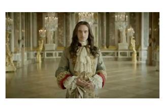 Une très jolie jeune femme 20/28 ans pour les besoins de la série #Versailles #nu