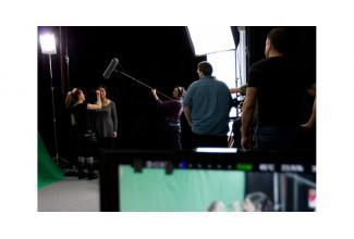 #Lyon #Rhône profils hommes et femmes pour tournage d'un film  institutionnel