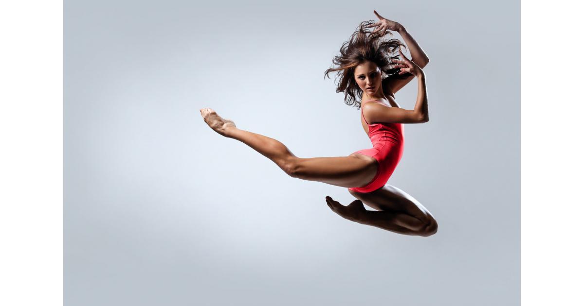 Une #figurante 18/22 ans type #danseuse pour le tournage d'une série britannique à #Paris
