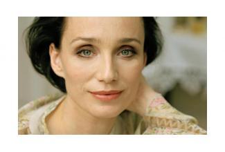 #doublure femme #châtain 1m67 pour film avec Kristin Scott Thomas #Paris