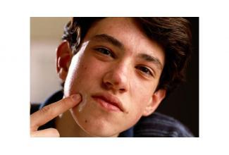 #figurant #ado 16/18 ans avec boutons pour tournage série #Paris