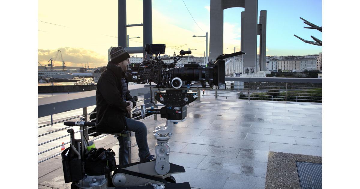 #figurant homme #Sénégalais pour le tournage d'une série américaine #Paris