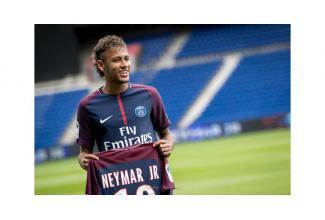 #doublure #figuration #Neymar #Alves #Silva pour tournage #publicité #Paris