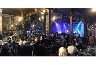 #figurants hommes 1m80 pour une performance #concert #scene #Paris