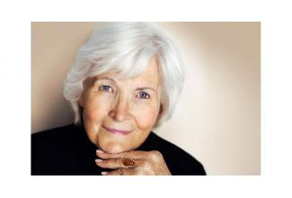 #Modèle #photo femme #senior 70-80 ans pour shooting photo #Paris