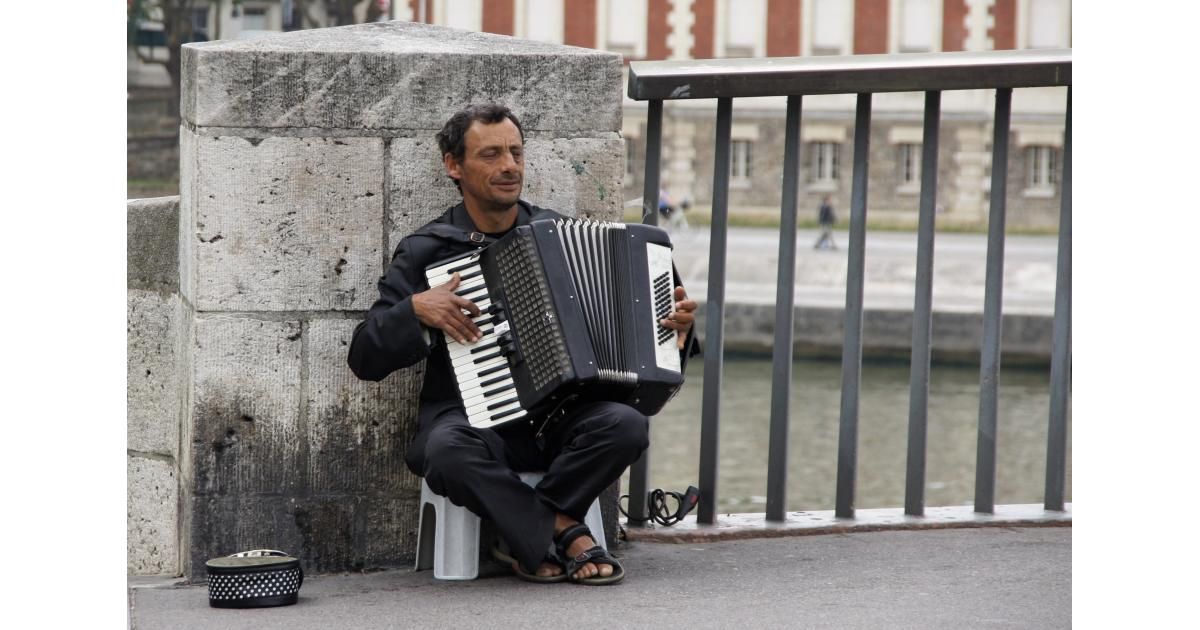 #figurant #accordeoniste #accordeon pour la série américaine