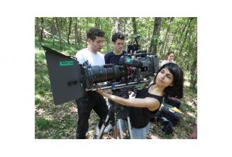 #cent #figurants hommes et femmes pour le tournage de la série